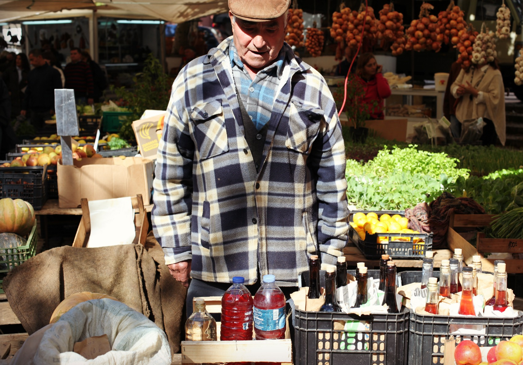 Market in Sintra / man in his stand