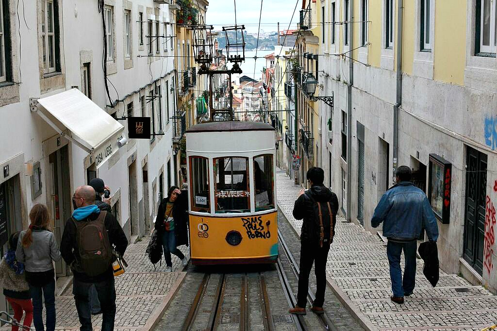 Lisbon by Light
